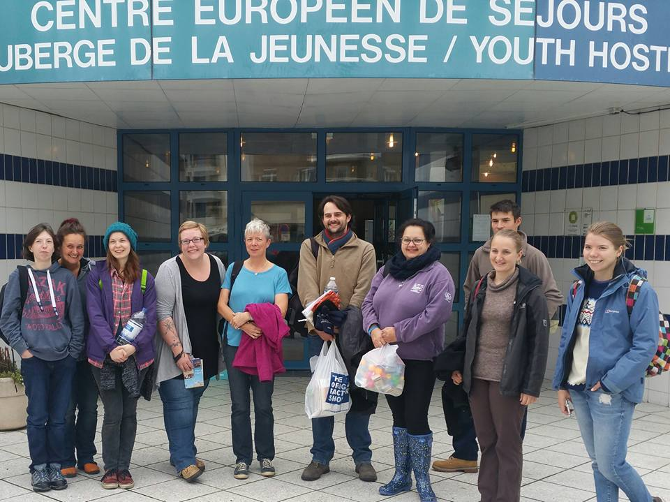 Ross for Refugees group in France to feed the same violent migrants who make our lorry drivers lives a misery.